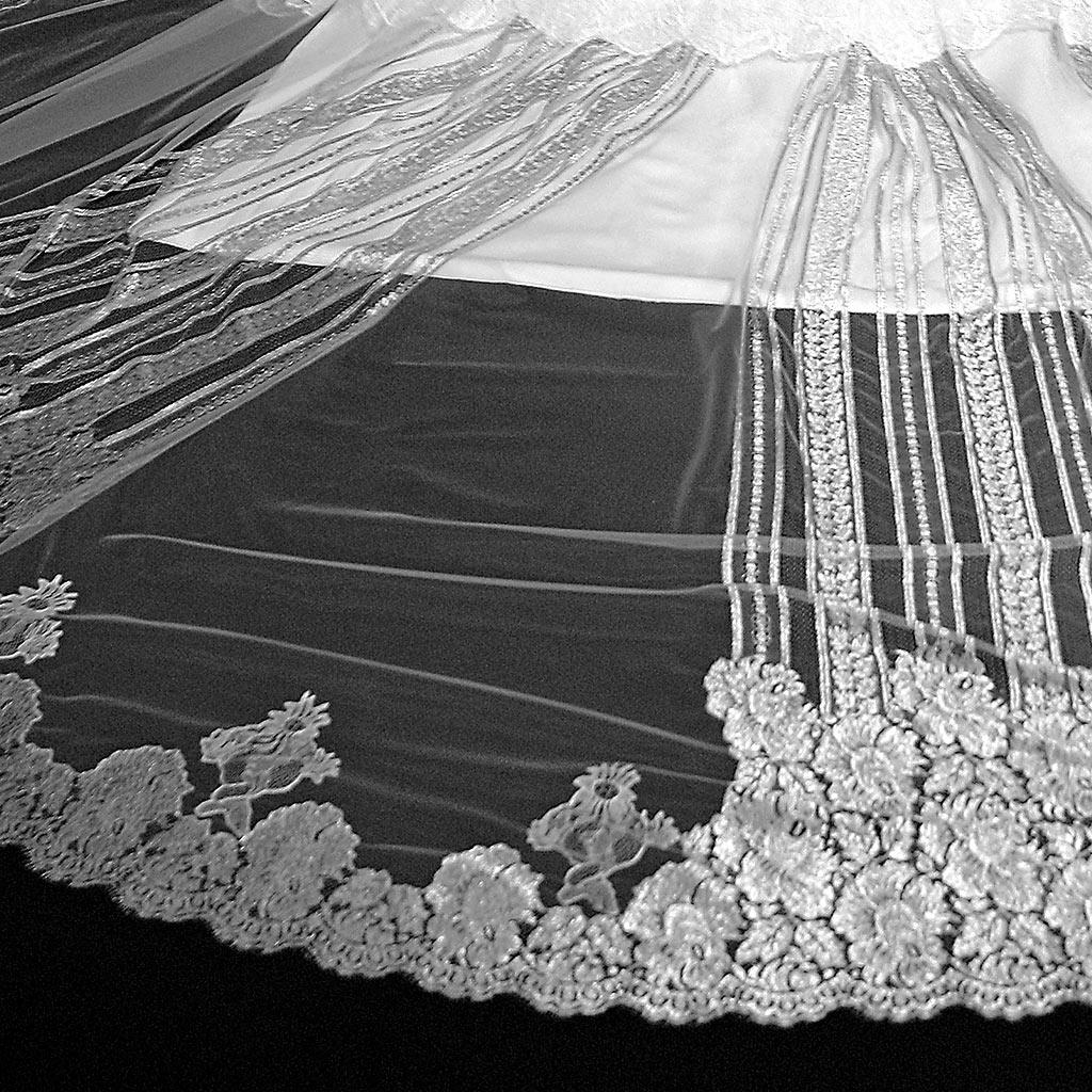 Monvieve Costanza Veil detail