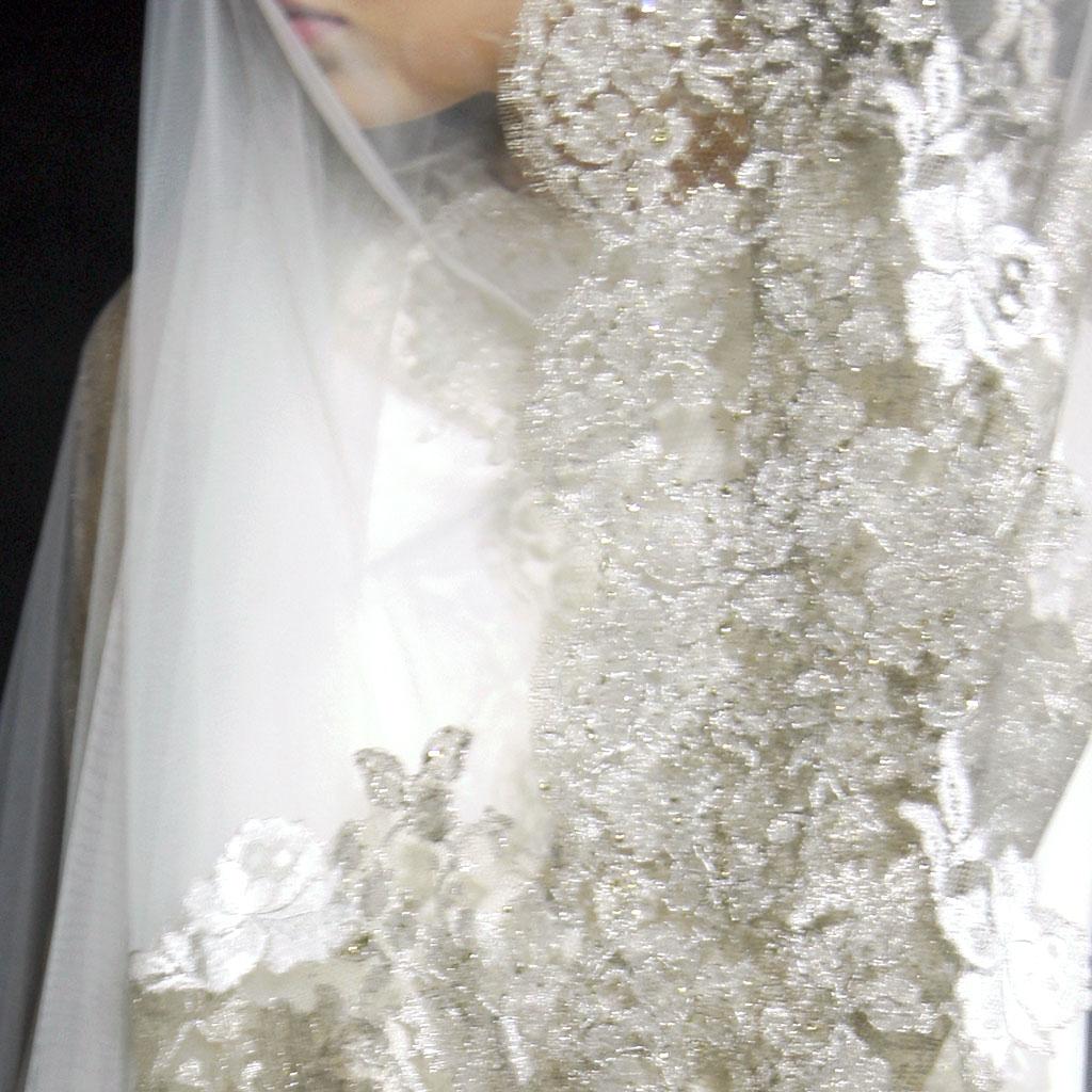 Monvieve Valentina Veil detail